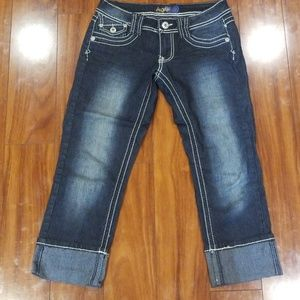 Like new angel capri jeans